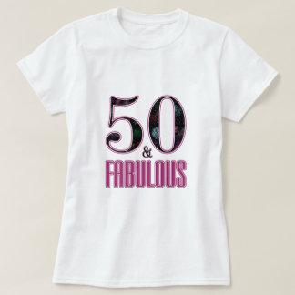 Camiseta 50 & aniversário da tipografia preta cor-de-rosa