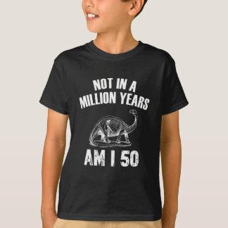 Camiseta 50 anos engraçados do design do aniversário