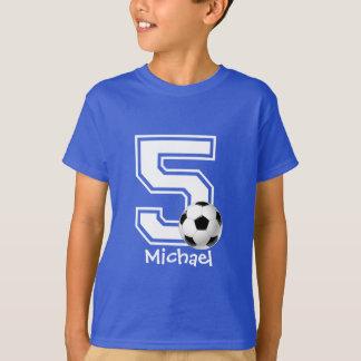 Camiseta 5o Futebol personalized-2 do menino do aniversário
