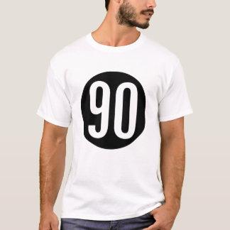 Camiseta 90 em um t-shirt do círculo