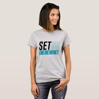 Camiseta A ação ou o t-shirt ocasional das mulheres