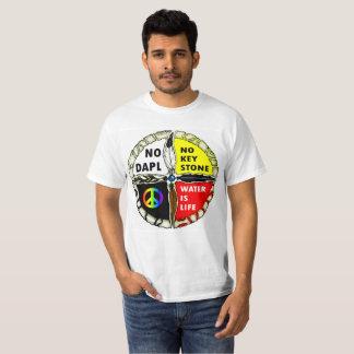 Camiseta A água é vida - nenhum t-shirt dos encanamentos