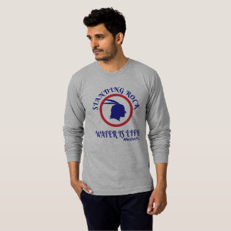 Camiseta A água ereta da rocha é vida