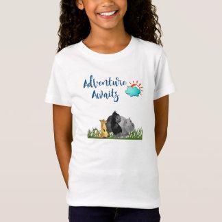 Camiseta A aventura espera animais da selva do safari da