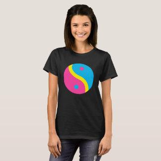 Camiseta A bandeira Pansexual do orgulho de LGBT colore Yin