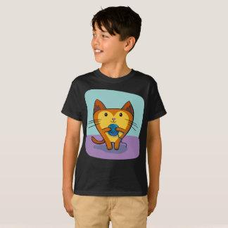 Camiseta A bola bonito do fio de Gato do gato Sew o t-shirt