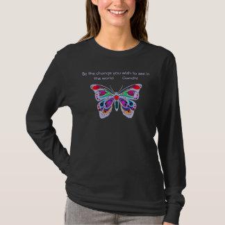 """Camiseta A borboleta azul, """"seja a mudança… """""""