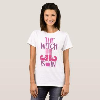 Camiseta A bruxa está dentro