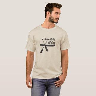 Camiseta A canoa apenas adiciona a água…