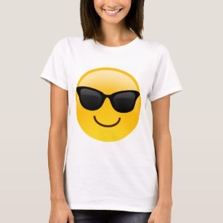 Camiseta A cara de sorriso com óculos de sol refrigera