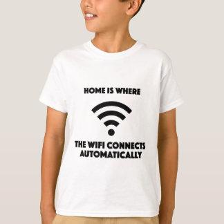 Camiseta A casa é o lugar onde o wifi conecta