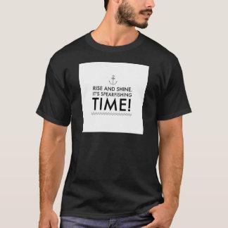 Camiseta A elevação e brilha-o é tempo de Spearfishing