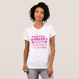 Camiseta A esposa de trabalhador postal