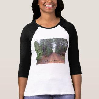 """Camiseta """"A estrada viajou menos…"""" pelo design de Nina"""