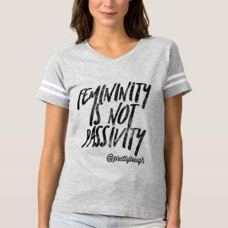 Camiseta A feminilidade não é passividade por resistente