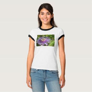 Camiseta A flor da paixão