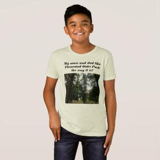 Camiseta a floresta verde e meu anddad da mamã apreciam