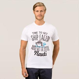 Camiseta A hora de pegar o navio enfrentou o cruzeiro