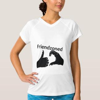 Camiseta A ilustração Friendzoned entrega a forma