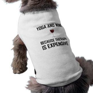 Camiseta A ioga e a terapia do vinho são caras