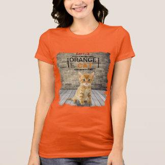 Camiseta A laranja é o t-shirt novo da mulher do gato