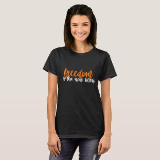 Camiseta a liberdade é o t-shirt preto novo