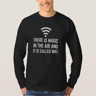 Camiseta A mágica no ar é Wifi