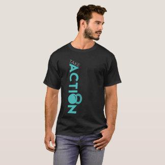 Camiseta A malhação da ação dos homens toma o t-shirt da