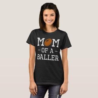 Camiseta A mamã de um futebol de Baller ostenta o t-shirt