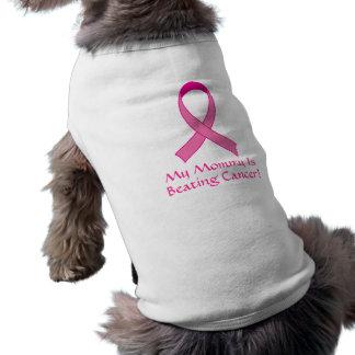 Camiseta A mamãe está batendo o presente do Doggy do cancer