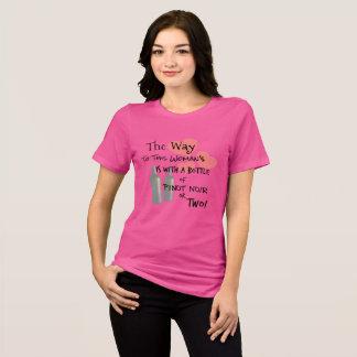 Camiseta A maneira a este coração da menina é com vinho!