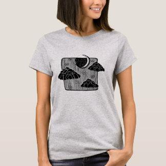 Camiseta A meia lua do céu nocturno nubla-se o t-shirt da