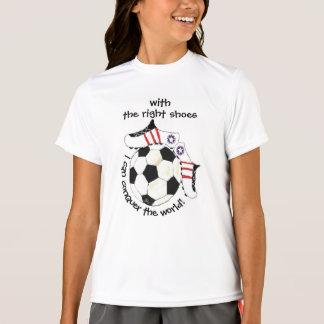 Camiseta A menina do futebol inspirada conquista o mundo