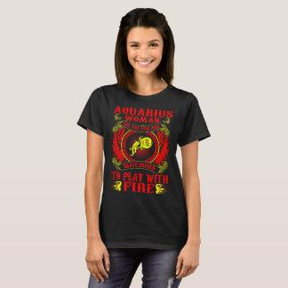 Camiseta A mulher do Aquário para homens Brave o jogo com