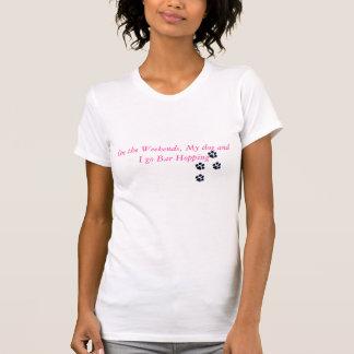 Camiseta a pata imprime, nos fins de semana, meu cão e eu