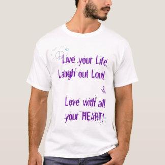 Camiseta a paz e os corações, vivos, amam, riem…
