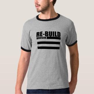 Camiseta A reconstrução ostenta o t-shirt do logotipo