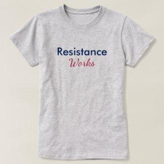 Camiseta A resistência trabalha o azul vermelho persiste