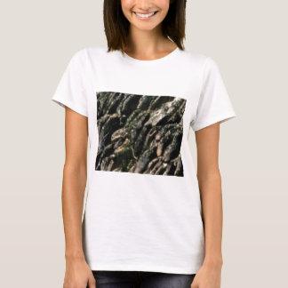 Camiseta a rocha dobra a textura