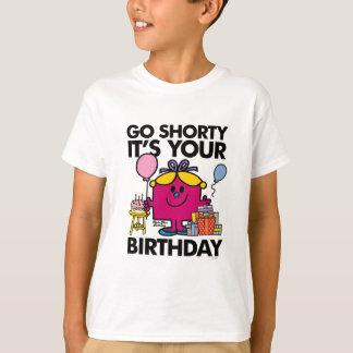 Camiseta A senhorita pequena Aniversário   vai a versão 32