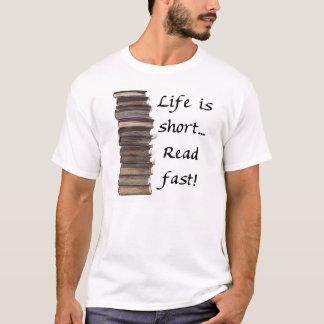 Camiseta A vida é curta…