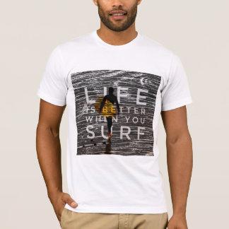 Camiseta A VIDA É MELHOR QUANDO VOCÊ SURFA - cinzento-