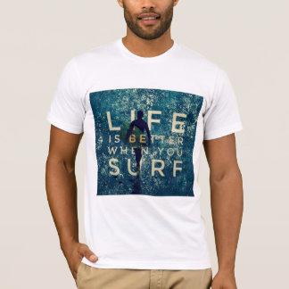 Camiseta A VIDA É MELHOR QUANDO VOCÊ SURFA - verde do
