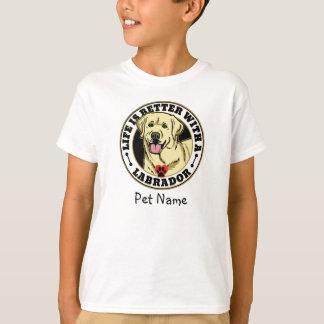 Camiseta A vida personalizada é melhor com um Labrador