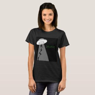 Camiseta Abducção da alienígena do dançarino