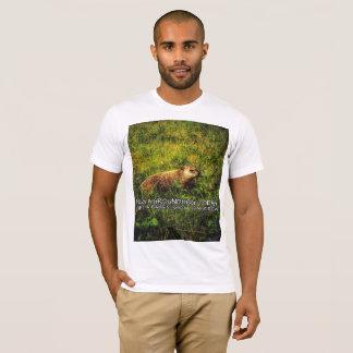 Camiseta Abrace um groundhog hoje. Fique uma raiva