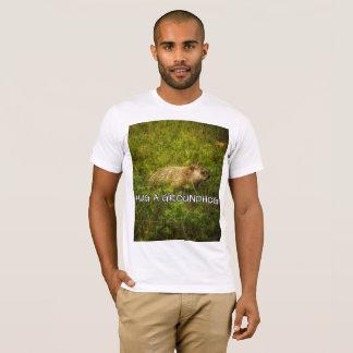 Camiseta Abrace um t-shirt do groundhog