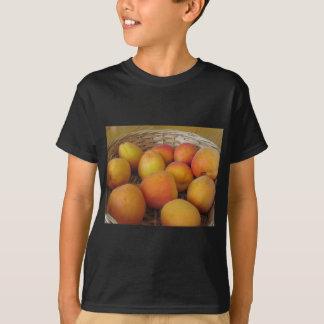 Camiseta Abricós frescos em uma cesta de vime