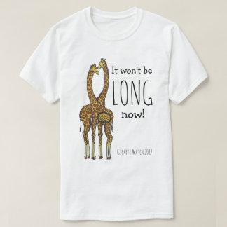 Camiseta Abril o girafa grávido (girafas expectantes)
