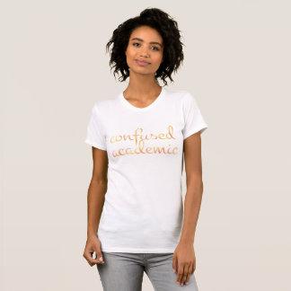 Camiseta ACADÉMICO CONFUSO inglês na aguarela